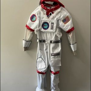 ASTRONAUT SPACE COSTUME FOR CHILDREN, SIZE 5-6.